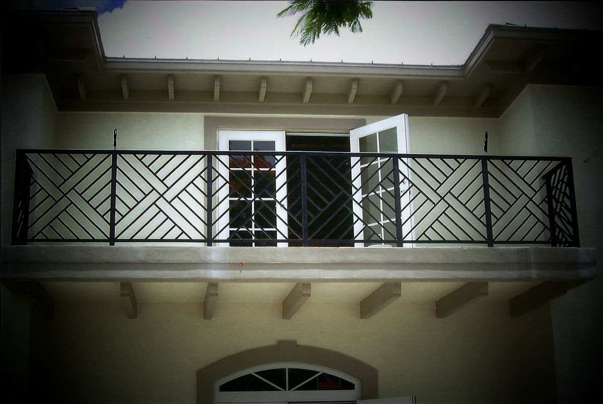 Exterior balcony railing designs images for Balcony railing designs pictures